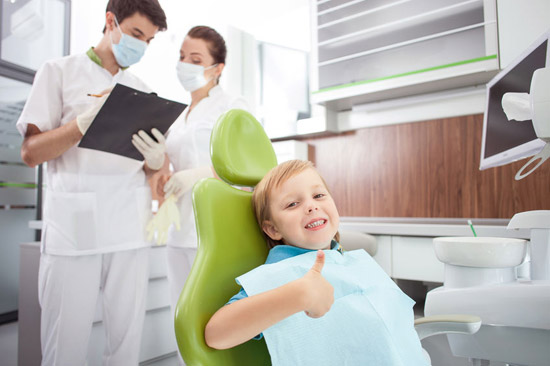 child broke the fear of the dentist